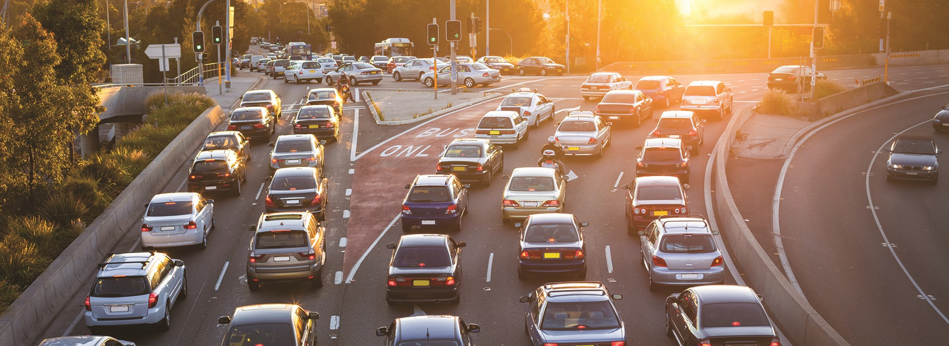 Как сделать дороги безопасными для водителей и пешеходов