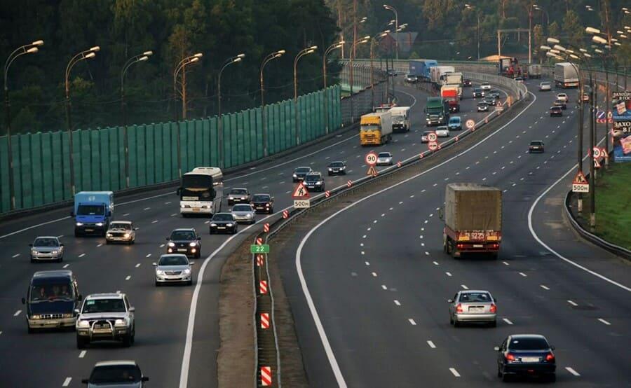 Цель работы интеллектуальных систем информирования на городских дорогах и загородных трассах