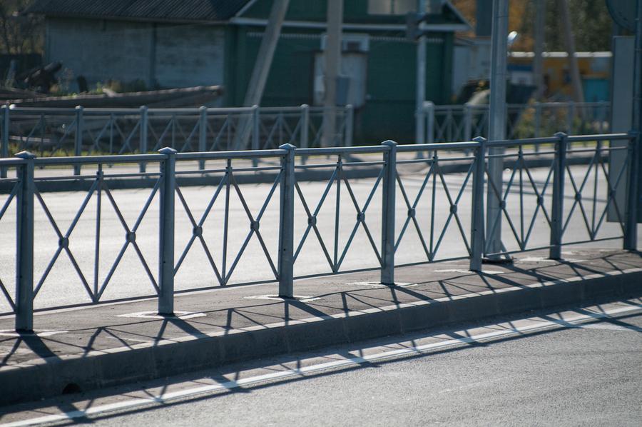 Оценка необходимости дорожных ограждений в безопасном городе