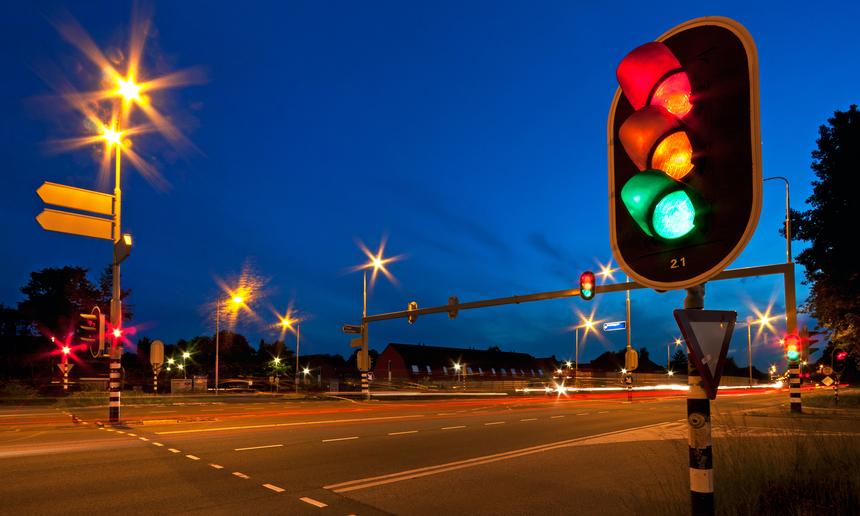 Значение дорожных контроллеров в управлении движением